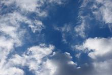青空と雲「空想・雲のモンスターたち」