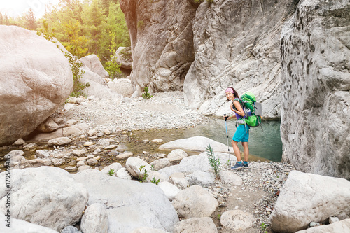 Photo  Woman backpacker on hike in Goynuk Canyon at Lycian Way, Turkey