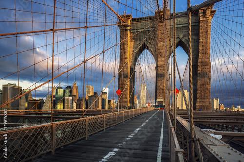 Poster Bridges Brooklyn Bridge in the morning light
