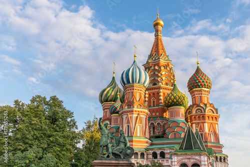 Tuinposter Moskou The famous Cathedral of St. Basil the Blessed, located on the Red Square in Moscow, Russia