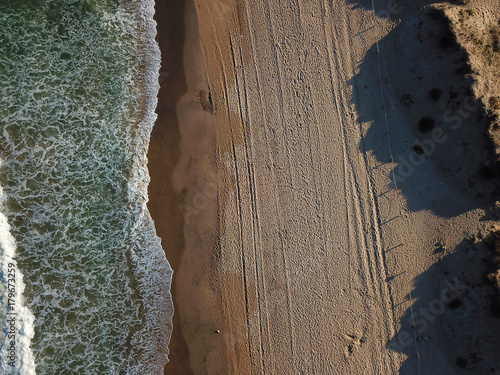 Photo  View of the sandy beach from the air