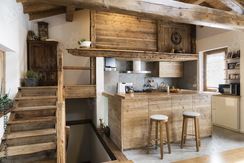 wood kitchen in cottage style © Federico Rostagno
