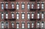 Stary budynek mieszkalny Manhattan, Nowy Jork - 179871288