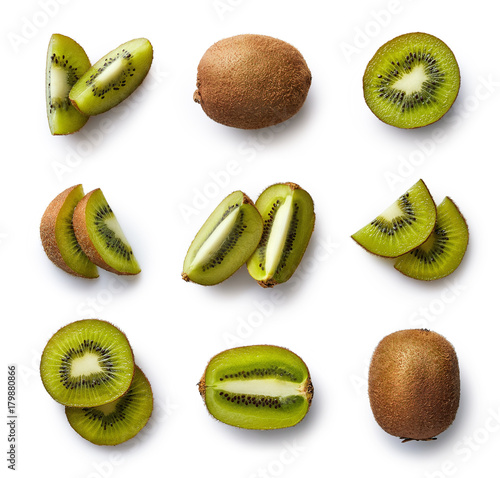 Valokuvatapetti Fresh kiwi isolated on white background