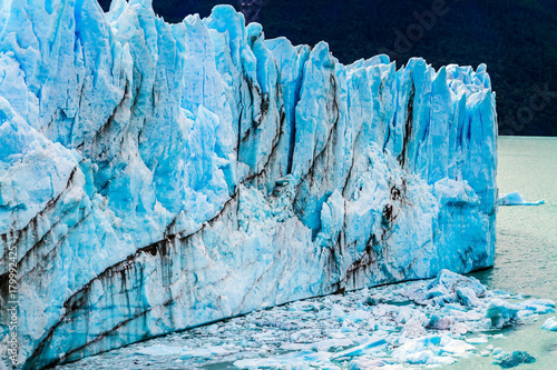 Poster Glaciers Ice crumb in water