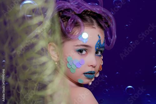 Aluminium Prints Painterly Inspiration девушка с морским красивым макияжем