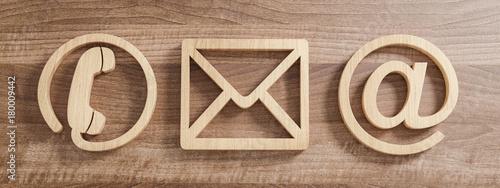Kontakt Symbole aus Holz Canvas Print