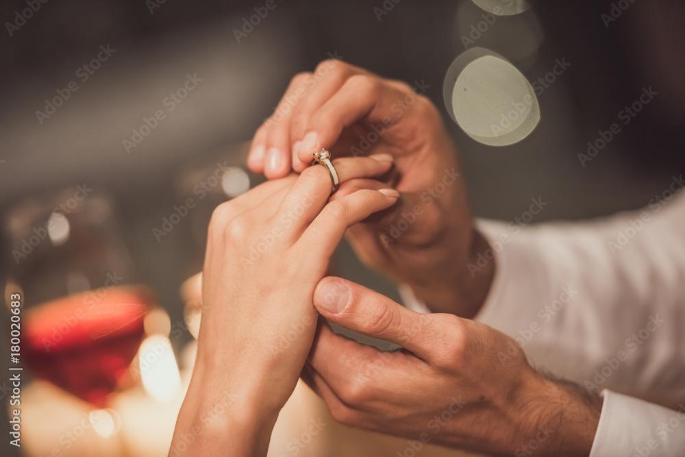 Fototapety, obrazy: Man proposing in restaurant