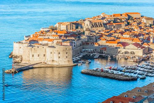 Платно Dubrovnik cityscape aerial marina