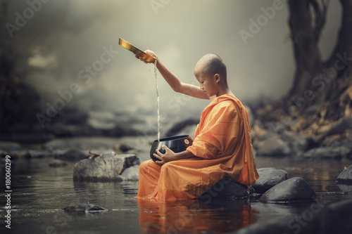 Novice monk Fotobehang