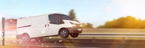 Fényképezés  Schnelle Lieferung mit Van auf Autobahn