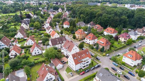 Luftaufnahme einer Kleinstadt