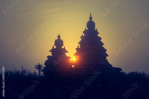 Sunrise at Mahabalipuram Billede på lærred