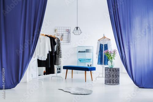 White, minimal dressing room Tapéta, Fotótapéta