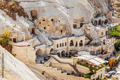 Poster Turquie Cappadocia hotels carved from stone rock, cave style