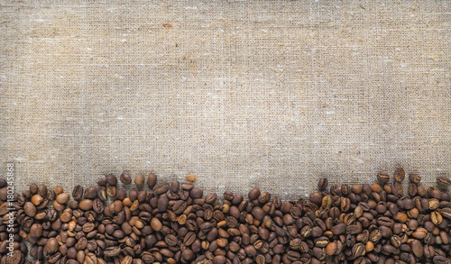 Deurstickers koffiebar Frame background with coffee beans