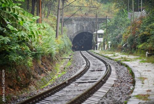 stara-linia-kolejowa-jesienia