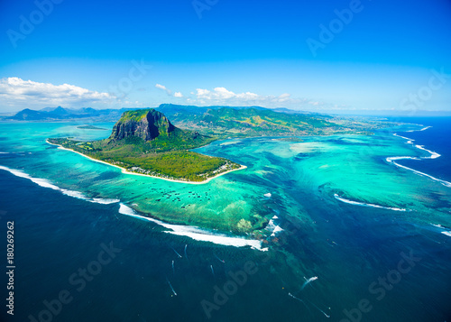 Door stickers Island Aerial view of Mauritius island
