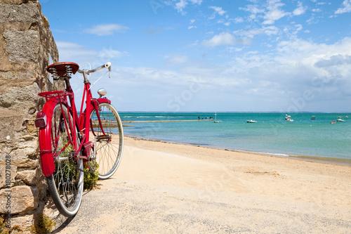 Deurstickers Strand Plage de Bretagne et vélo
