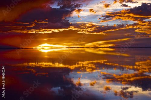 Obraz na płótnie 【ボリビア】ウユニ塩湖の夕焼け