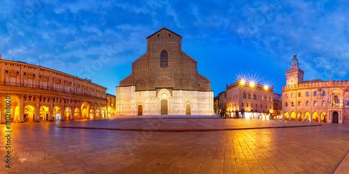 Fototapety, obrazy: Panorama of Piazza Maggiore square with Basilica di San Petronio and Palazzo d'Accursio or Palazzo Comunale at night, Bologna, Emilia-Romagna, Italy