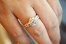 Wedding Diamond Ring On Woman ...