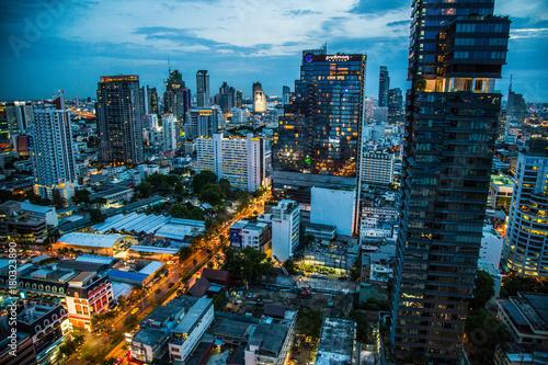 widok-na-bangkok-noca