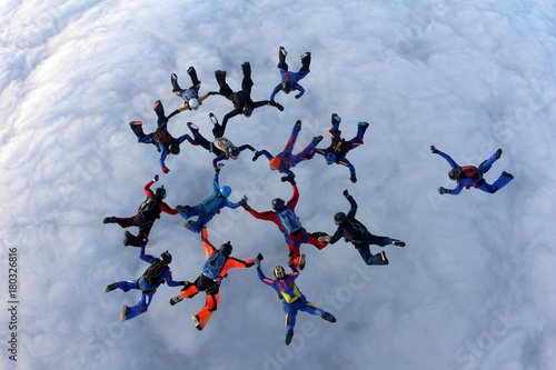 Skydivers in the sky Canvas-taulu