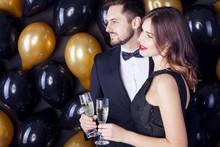Elegant Couple Celebrate New Y...