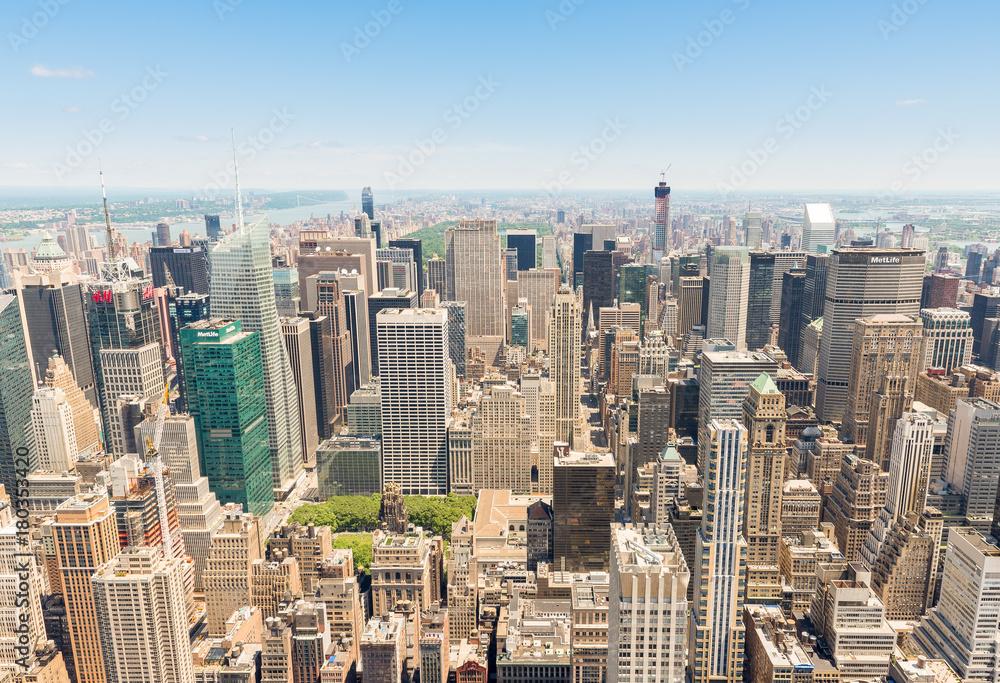 Panoramiczny widok na dolny Manhattan od Empire State Building <span>plik: #180353420 | autor: Paolo</span>