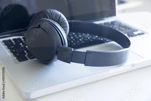 Fotografie, Obraz cuffie, computer, ascoltare, musica, mp3