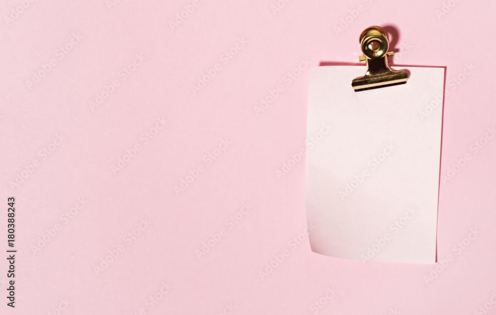Fototapeta sticky note on pink background
