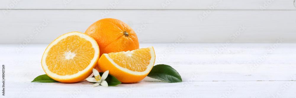 Fototapeta Frische Orangen Orange Frucht Früchte Banner Textfreiraum Holzbrett