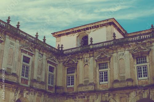 Fototapeta Wewnątrz stoczni Graca Kościoła i klasztor w Lizbonie.