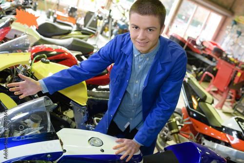 Zdjęcie XXL sklep motocyklowy