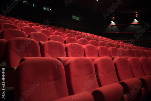 Tuinposter Theater red chairs in cinema