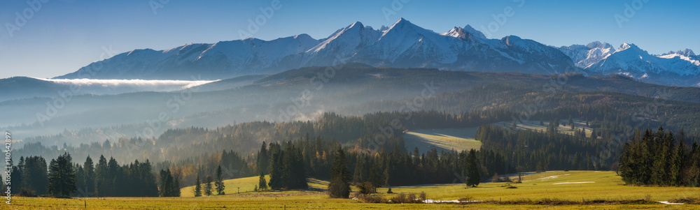 Fototapety, obrazy: Autumn Panorama of the High Tatras in the morning