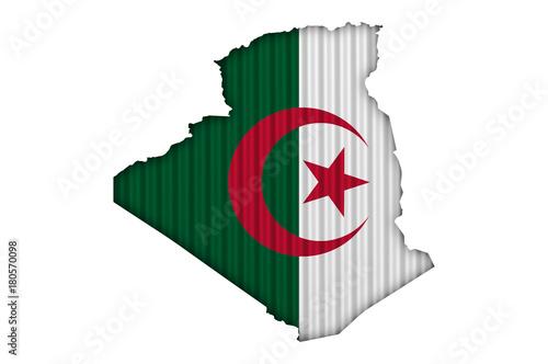 Poster Algérie Karte und Fahne von Algerien auf Wellblech