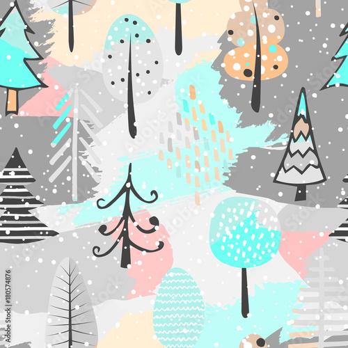Stoffe zum Nähen Niedliche Musterdesign mit Baum. Hand-Drawn Vektor-Illustration. Hintergrund mit abstrakten Elementen.
