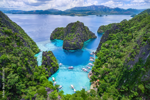 Ingelijste posters Eiland Coron, Palawan, Philippines, aerial view of Kayangan Lake.