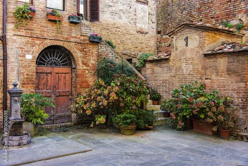 Courtyard Fotobehang