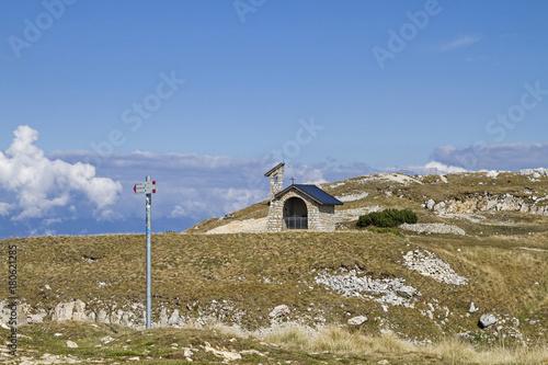 Bergkapelle auf diem Monte Altissimo Canvas Print