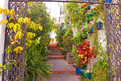 ulica-piekna-hiszpanska-ulica-costa-del-sol-andaluzja-hiszpania