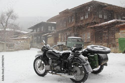 Fototapety, obrazy: old motorbike