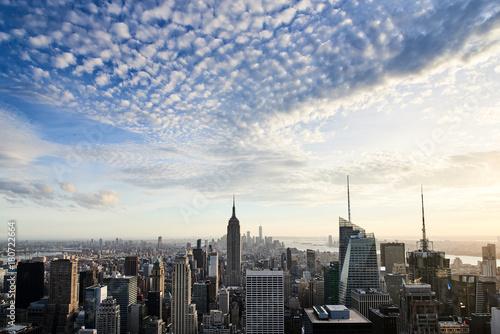 Fototapeta Lower Manhattan skyline, zachód słońca, dużo nieba.