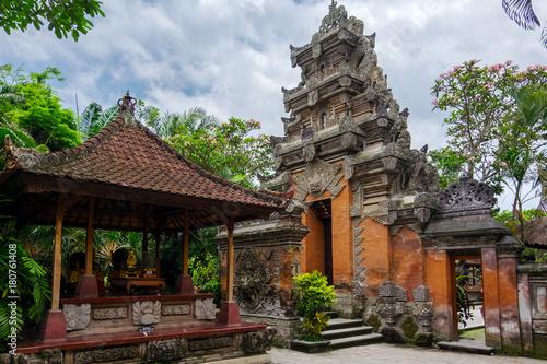 Foto op Aluminium Indonesië Puri Saren Agung (Ubud Palace). Temple in Bali, Indonesia