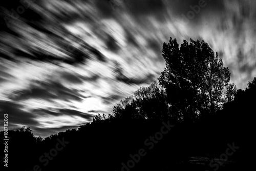 Foto  nubes en viento