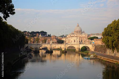 Zdjęcie XXL Zobacz w Tiber i Katedra Świętego Piotra w Rzymie, Włochy
