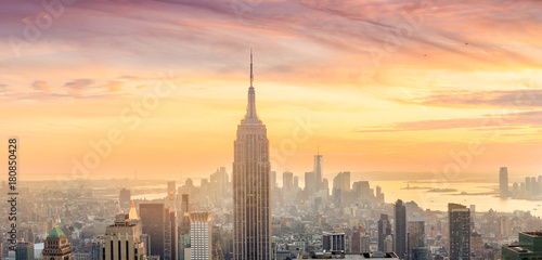 Poster New York Panorama of Manhattan Skyline at sunset