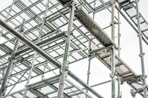 Obraz na plátně 建設現場の足場 Construction site scaffolding